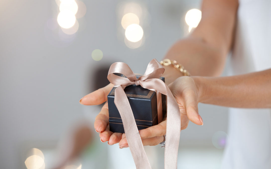 ¿Quieres ser una joya regalando joyas?